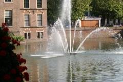 Den-Haag-073-Hofvijver-met-fontein